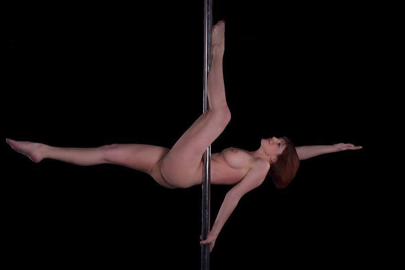 poledance nude